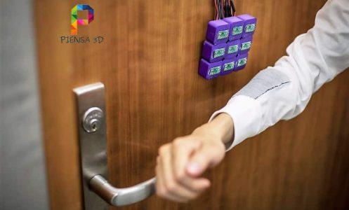 Ropa capaz de almacenar datos sin electronica